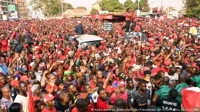 Le Front national pour la défense de la Constitution appelle à de nouvelles manifestations dans le pays.
