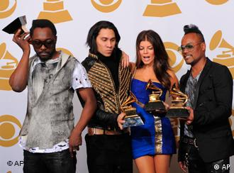 گروه بلک آید پیز در مجموع برندهی سه جایزهی گرمی شد