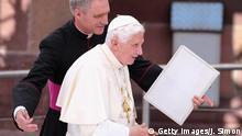 Vatikan l Der emeritierte Papst Benedikt XVI besucht Papst Franziskus