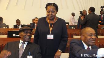 Mosambik Parlament | Esperança Bias
