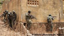 Frankreich l Macron wirbt für Sahel-Initiative - Soldaten in Mali