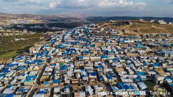 Φωτογραφία από drone προσφυγικού καταυλισμού γύρω από το Ίντλιμπ