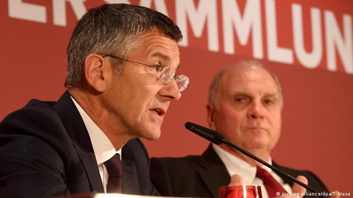 Jahreshauptversammlung FC Bayern München 2019 | Herbert Hainer & Uli Hoeneß (picture-alliance/dpa/T. Hase)