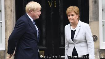 Μέχρι στιγμής το Λονδίνο απορρίπτει τις προτάσεις Στέρτζον για τη βίζα