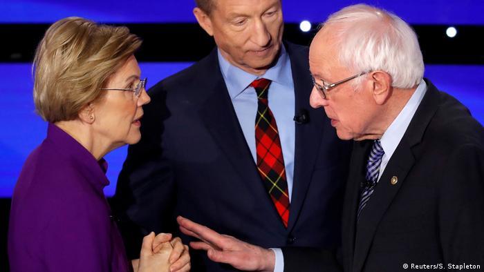 Pré-candidatos democratas Elizabeth Warren e Bernie Sanders discutem