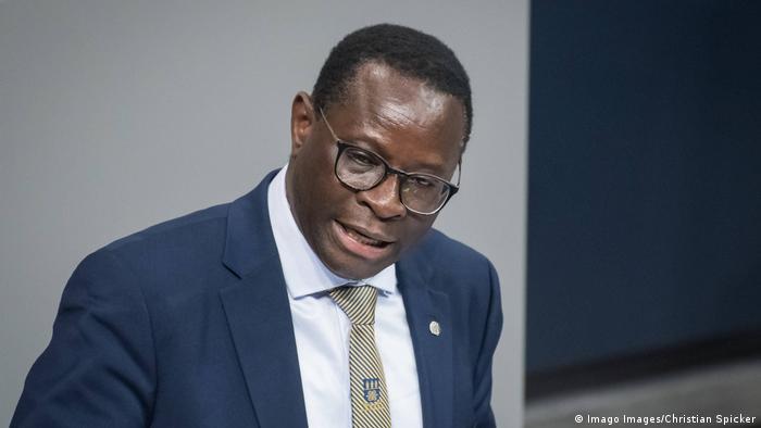 Deutschland Karamba Diaby (SPD) im Bundestag
