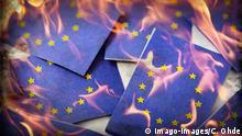 Symbolbild EU Fahne anzünden