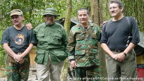 Foto de comandantes del ELN, incluidos Pablo Beltrán y Gabino, en una imagen de archivo