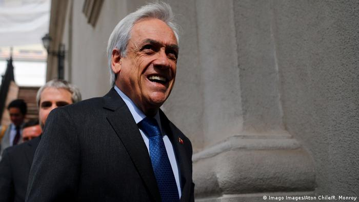 El Gobierno de Chile de Sebastián Piñera se querelló contra los estudiantes que interrumpieran el proceso de la prueba.