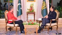 DW-Chefredakteurin Ines Pohl im Exklusivinterview mit Imran Khan