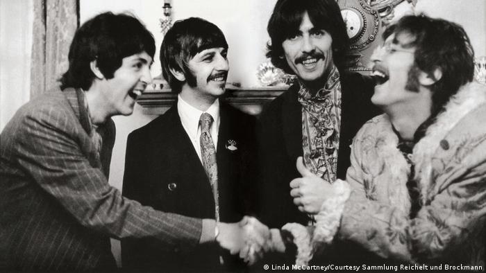 Ausstellung LINDA McCARTNEY | The Beatles, London, 1967 (Linda McCartney/Courtesy Sammlung Reichelt und Brockmann)
