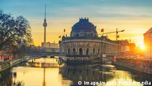 Berlin's Museum Island at sunrise (imago images/Panthermedia)