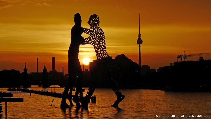 Berlin Molecule Man