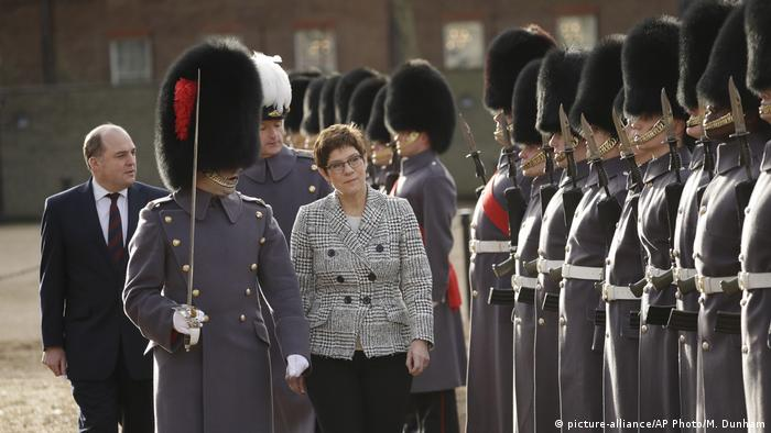 Kramp-Karrenbauer in London