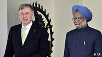 Köhler mit Ministerpräsident Manmohan Singh (Foto: AP)