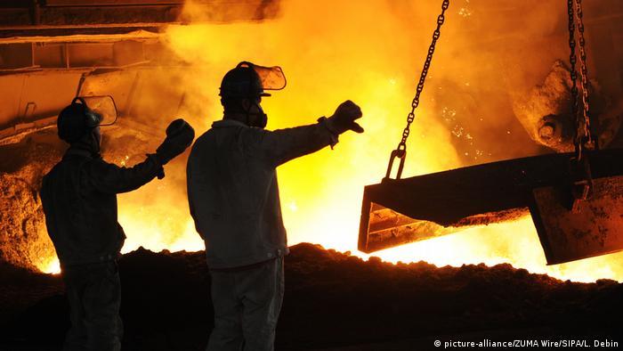 China Stahlarbeiter in Dalian