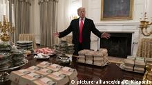 Donald Trump Fast Food Burger (picture-alliance/dpa/C. Kleponis)