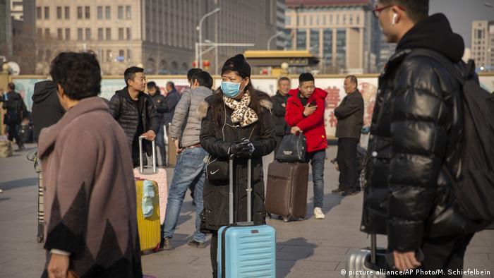 China Krankheit l Mehrere Patienten mit dem Coronavirus infiziert (picture alliance/AP Photo/M. Schiefelbein)