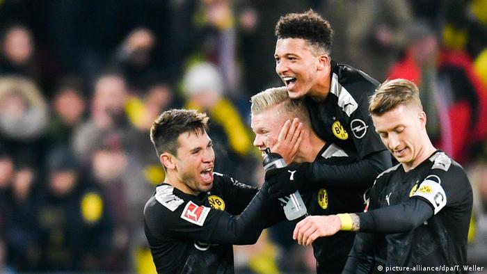 Bundesliga kompakt: Bayern schlägt Hertha, Leipzig bleibt vorn