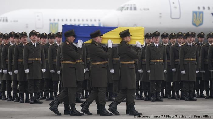 Trauerfeier für die ukrainischen Opfer in Kiew