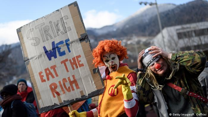 Climate protest march to Davos begins ( (Getty Images/F. Coffrini)