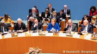 Στιγμιότυπο από τη Διάσκεψη του Βερολίνου για τη Λιβύη. Τόπο στη διπλωματία