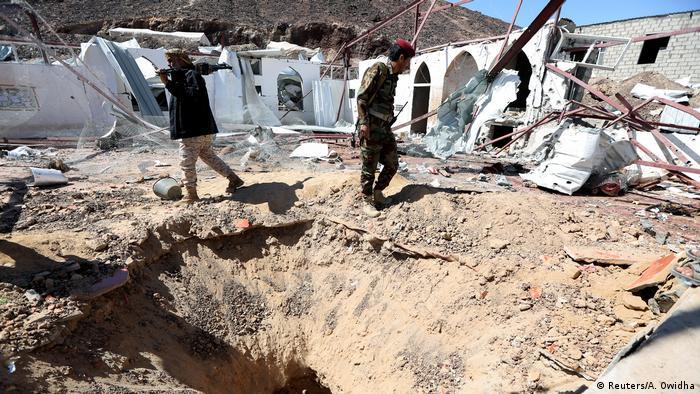 После ракетного обстрела хуситов военной базы Мариб в Йемене