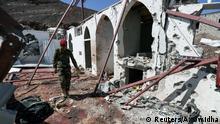 Yemen | Zerstörung nach Raketenangriff der Houthi auf Moschee in Militärbasis in Marib