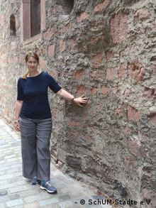 Susanne Urban of the ShUM-Cities Association in Worms