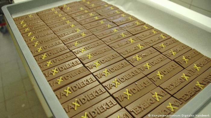 Digitales Handwerk   Schokolade mit Firmenlogo