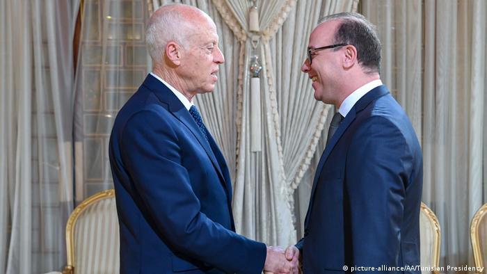 Der tunesische Präsident Kais Saied beauftragte Ende Januar Ex-Finanzminister Elyes Fakhfakh mit der Regierungsbildung (Foto: picture-alliance/AA/Tunisian Presidency)