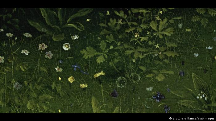 Detail from Jan van Eyck's Ghent Altarpiece - flowers and grass (picture-alliance/akg-images)