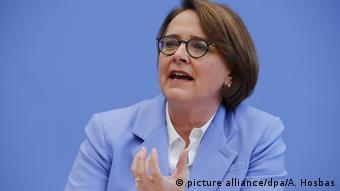 وزيرة الاندماج، أنيت ويدمان ماوز، عضوة البونستاغ عن حزب الاتحاد الديمقراطي المسيحي