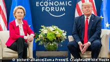 Weltwirtschaftsforum 2020 in Davos | Ursula von der Leyern & Donald Trump (picture-alliance/Zuma Press/S. Craighead/White House)