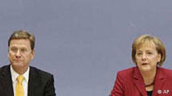 Guido Westerwelle und Angela Merkel (Foto: AP)