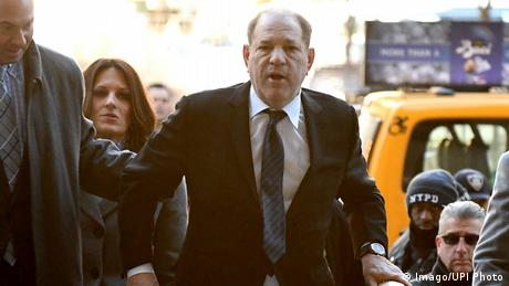 Harvey Weinstein arrives at trial