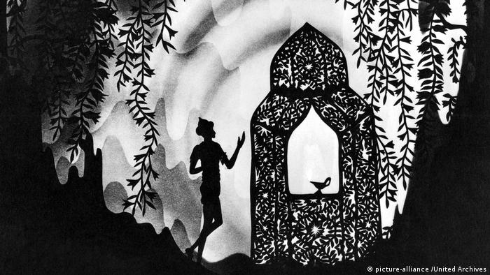 A still from the film The Adventures of Prince Achmed by Lotte Reiniger (picture-alliance /United Archives)