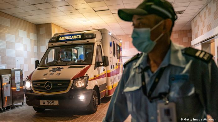 En Hong Kong se conocieron dos casos de infección el miércoles pasado (22.01.2020). Ahí un paciente fue hospitalizado en el Departamento de Infecciones del Hospital Princesa Margarita. En la región autónoma de Macao ha habido un caso hasta ahora.