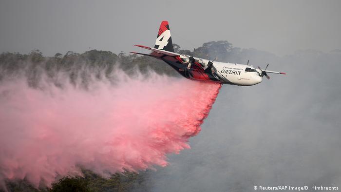 Australien Buschbrände - Löschflugzeug