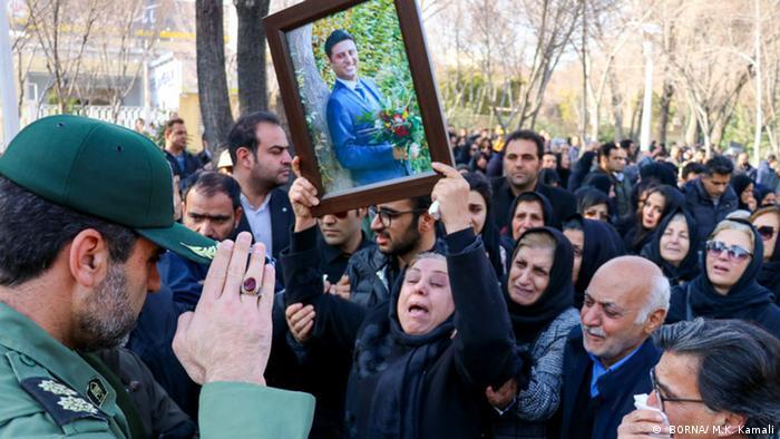 Iran | Wut Auf Revolutionswächter ( BORNA/ M.K. Kamali)