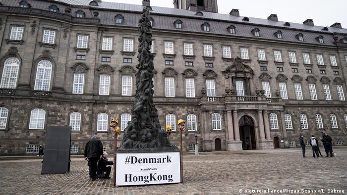Dänemark Skulptur 'Pillar of Shame' in Kopenhagen