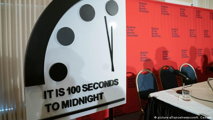 USA Doomsday Clock in Washington