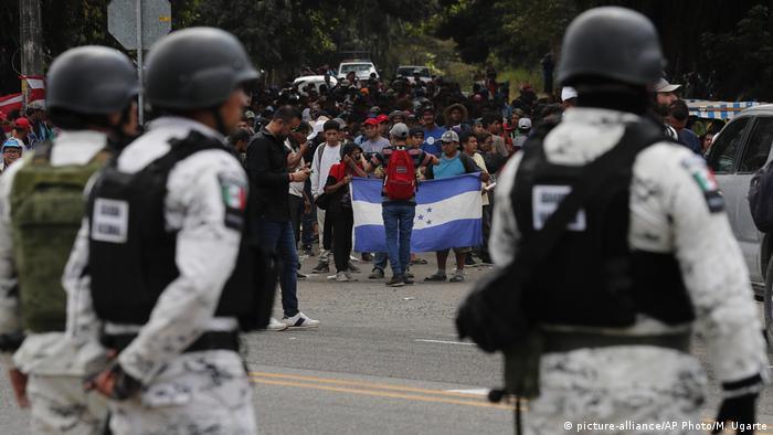 Mexikanische Nationalgarden (picture-alliance/AP Photo/M. Ugarte)