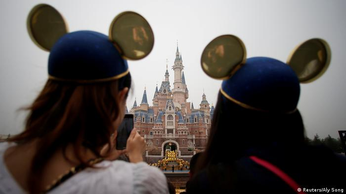 China Coronavirus | Symbolbild: Disney Resort in Shanghai (Reuters/Aly Song)