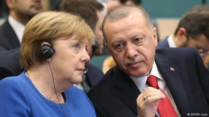 Angela Merkel meets Erdogan amid regional tension