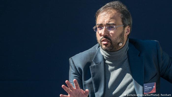 Iyad el-Baghdadi gives a speech (picture-alliance/NurPhoto/J. Reinhart)