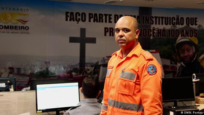 Tenente Constantino, do corpo de bombeiros ( (DW/N. Pontes)