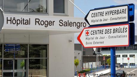 Fachada del hospital en Francia