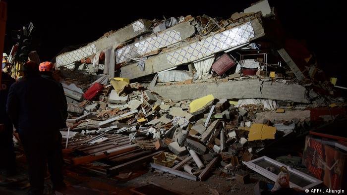 Schweres Erdbeben in der Osttürkei (AFP/I. Akengin)