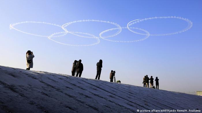 BdTD - Japan Von Flugzeugen gezeichnete Olympische Ringe